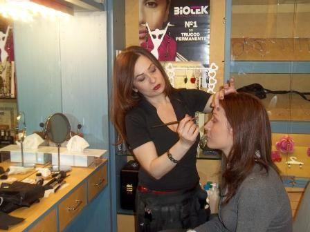 lezione di trucco con Alessandra Make up Artist- prenota la tua lezione con Alessandra per un Look personalizzato al 026705528