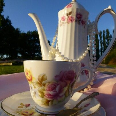 Gorgeous China teacup for afternoon teas www.butterflyivy.weebly.com