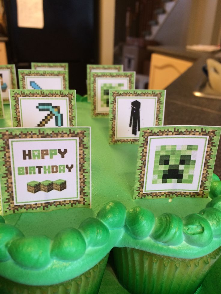 Fun Happy Birthday Minecraft cupcakes!