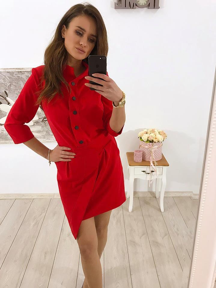 ❣️❣️ NOWA KOLEKCJA ❣️❣️ Sukienka ze stójką już dostępna w sprzedaży online! Dostępne kolory: czarna, czerwona, khaki 😊😊😊 Link do produktu: http://bit.ly/2xRJX1d Stylistka Sara <3