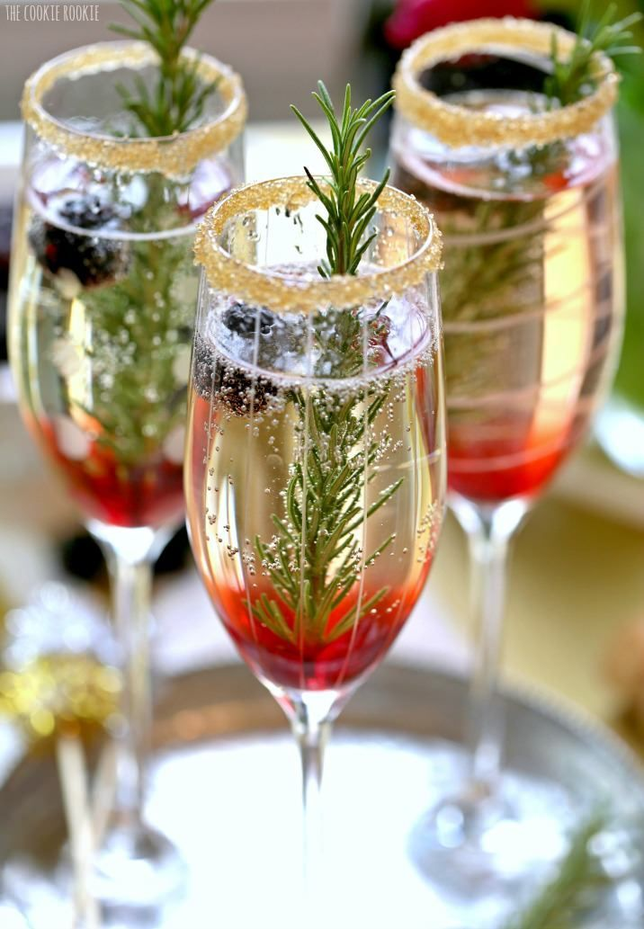 Blackberry Ombre Sparkler- fun and easy champagne cocktail with blackberry and rosemary. Perfect for a classy 30th birthday party!