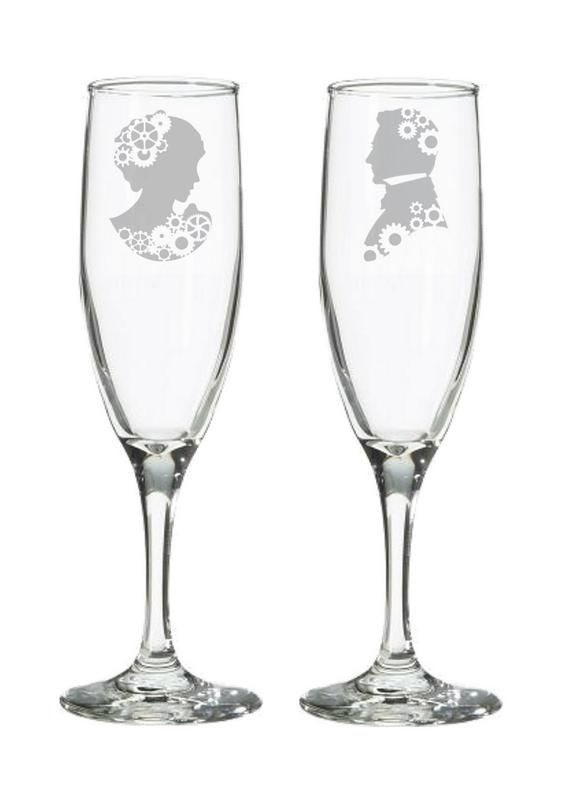 Steampunk Cameo Wedding Champagne Flutes – Gear Silhouette Toasting Glasses