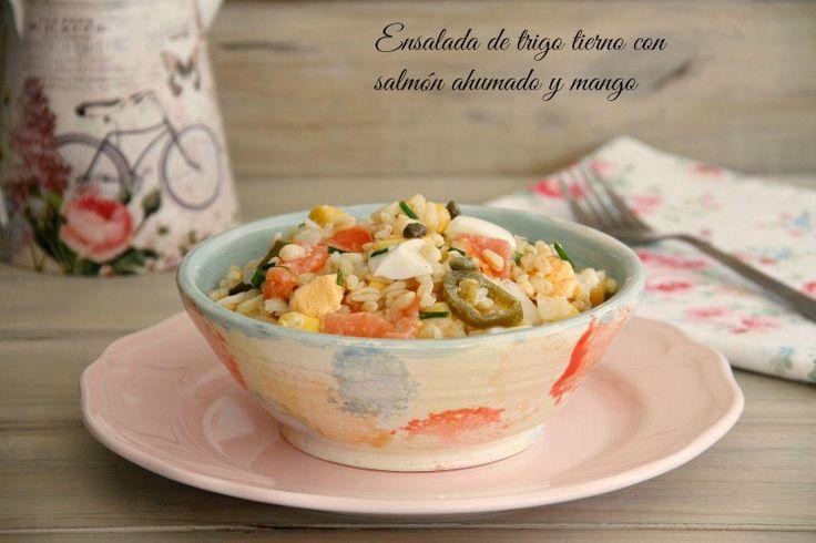 Ensalada de trigo tierno con salmón ahumado y mango - MisThermorecetas
