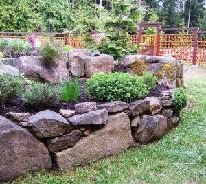 Cama levantada jardinería-rocas son mucho mejor que la madera expuesta ------- Raised bed gardening-rocks are so much nicer than exposed wood