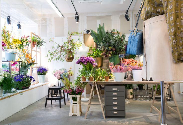 other stories flower pop up shop in mitte berlin flowers pinterest. Black Bedroom Furniture Sets. Home Design Ideas