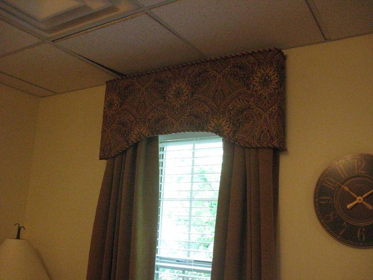 Cornice ideas windows 206 upholstered cornice over for Kitchen cornice ideas