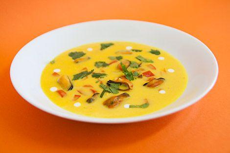 Sopa de Mexilhão com Açafrão | SaborIntenso.com