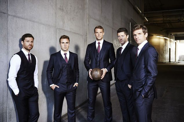 Xabi Alonso, Mario Götze, Manuel Neuer, Robert Lewandowski, Thomas Müller - in Giorgio Armani (2015)