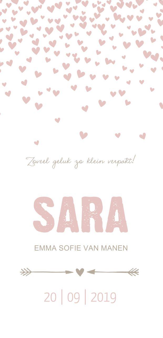 Lief roze geboortekaartje met hartjes en sierlijek typografie.