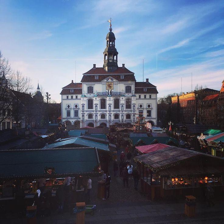 Heute: Lüneburger #Weihnachtsmarkt auch schön #lüneburg #rathaus