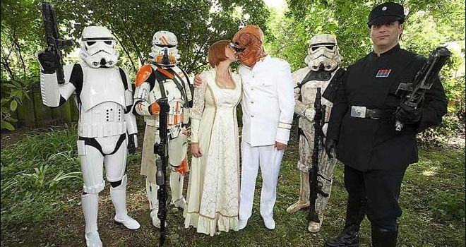 Proyecto de ley podría permitir los matrimonios Jedi enEscocia