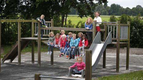 Niveauverschil brugklas nog groter door tweetalige basisschool - Nederland - TROUW