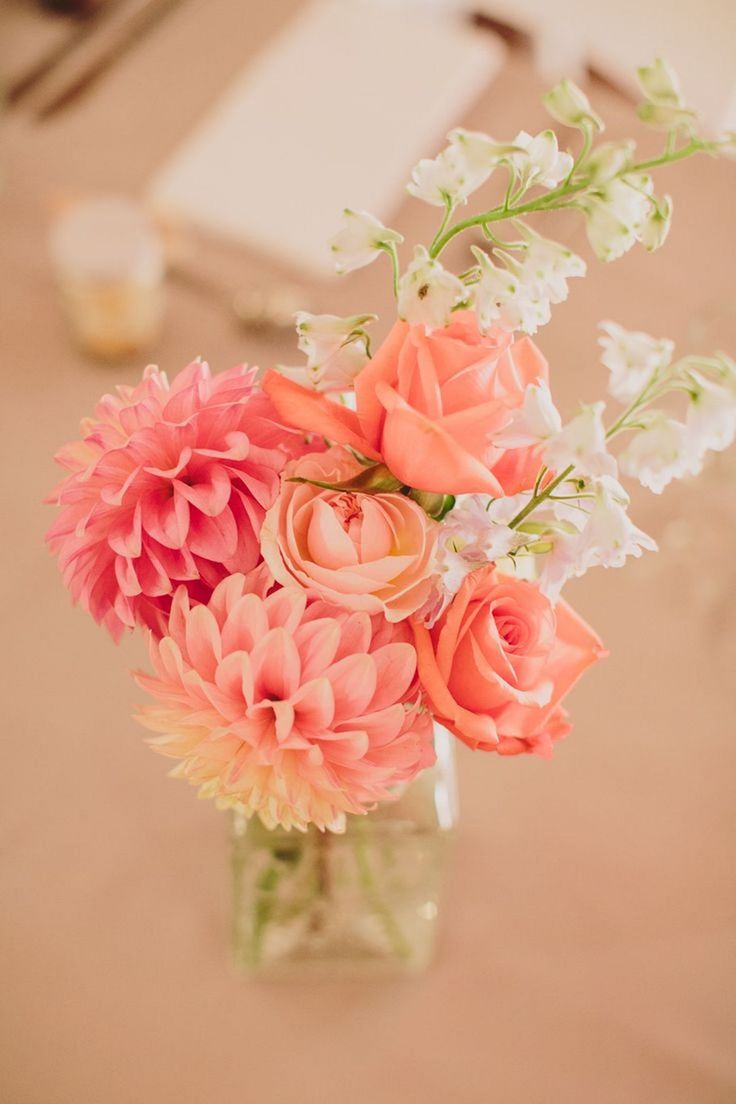 Great 35 Super Beautiful Coral Flower Arrangements Ideas For Your Wedding https://oosile.com/35-super-beautiful-coral-flower-arrangements-ideas-for-your-wedding-17682