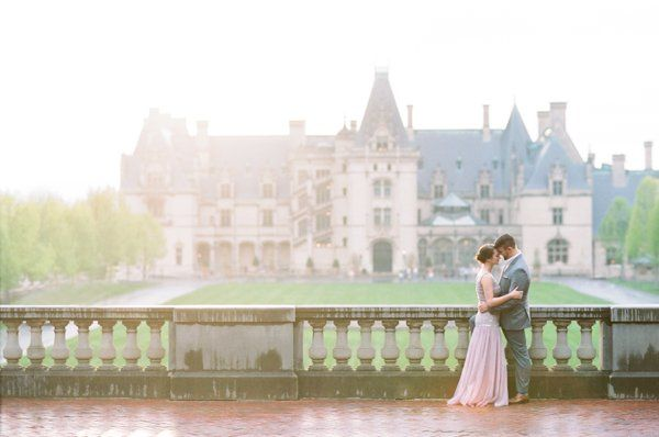 Biltmore Estate Engagement Shoot ... A little Great Gatsby style and a gorgeous location! #Biltmore #Asheville #Wedding