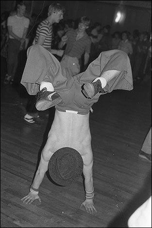 """Tom Jones' """"You Can Keep Your Hat On"""" was dedicated to this dancer. (copyright Francesco Mellina)"""
