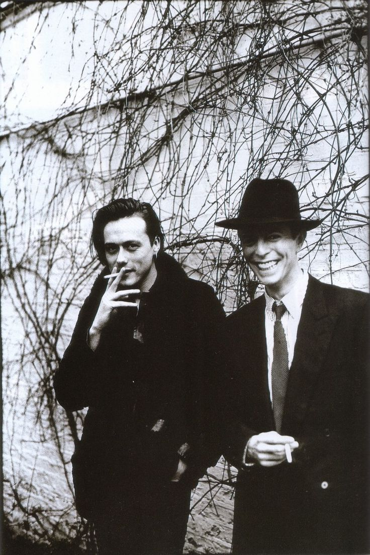 Bowie with Brett Anderson of Suede by Anton Corbijn.....they met for a joint interview for the NME , 1993