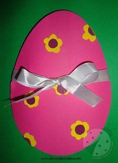 BIGLIETTO DI PASQUA FAI DA TE Biglietto a forma di uovo con pulcino da regalare ai vostri cari il giorno di Pasqua.