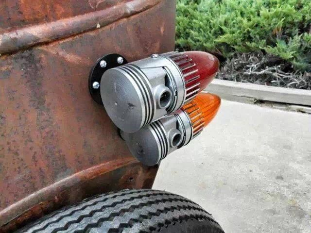 Cool on old fashioned car cup holder