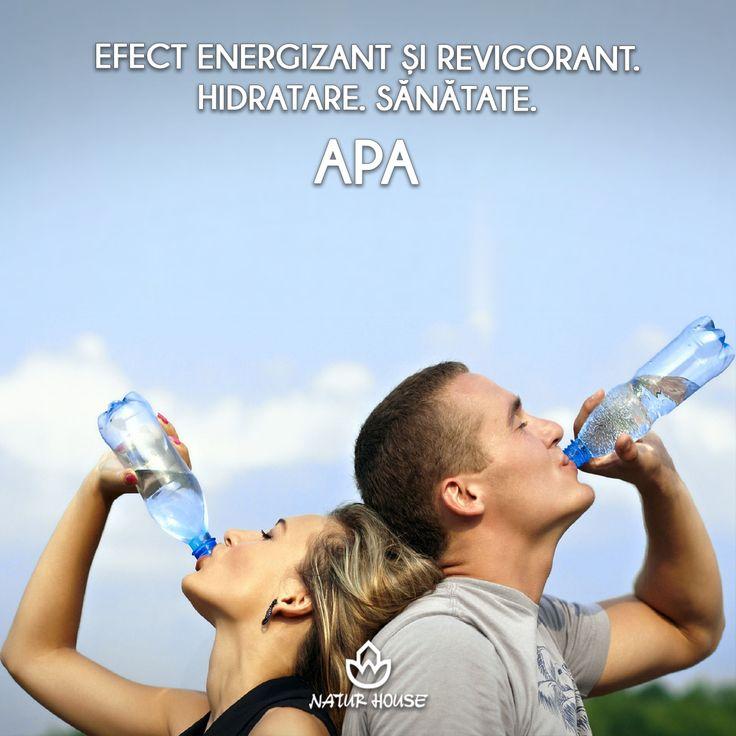 Atunci când te simți obosit, poți apela la un remediu aflat la îndemâna oricui: bea un pahar cu apă. Deshidratarea organismului poate induce senzația de oboseală, așa că un aport suficient de apă are un efect energizant și revigorant. #sănătate #hidratare