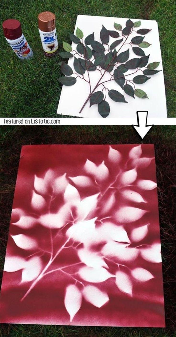 Leinwand mit Blättern und Sprühdosen verschönern. DIY ganz einfach