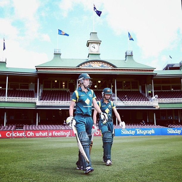 Meg Lanning & Leah Poulton walk out to bat during the first #RoseBowl series match at the SCG