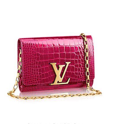 Louis Vuitton chain Louis gm bag www.bagvibes.com