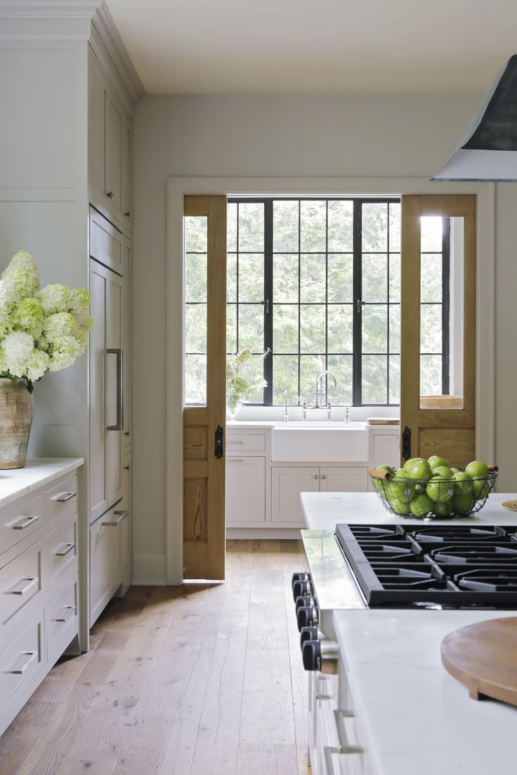 POCKET DOOR FROM KITCHEN TO LAUNDRY ROOM! NV