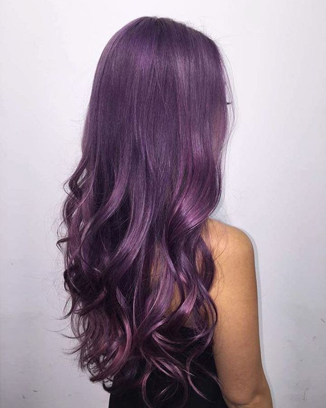 Metallic purple hair! Love everything about this stellar look!