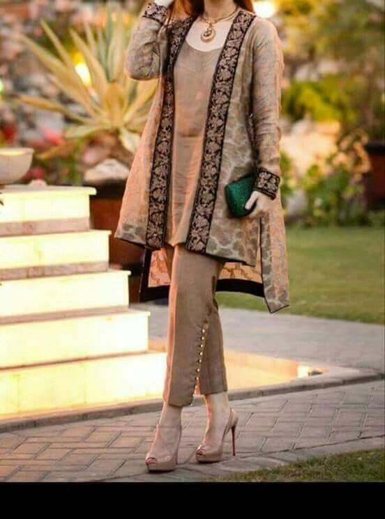 Buy discount womens party wear in Pakistan at Oshi.pk. Book Online comport womens party wear in Karachi, Lahore, Islamabad, Peshawar and All across Pakistan.
