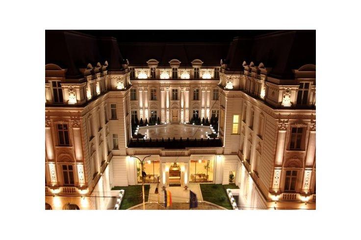 Grand Hotel Continental este un boutique hotel de 5 stele, ce a fost redeschis in 2009, dupa un minutios proces de restaurare. Atas Lighting a furnizat corpurile de iluminat.
