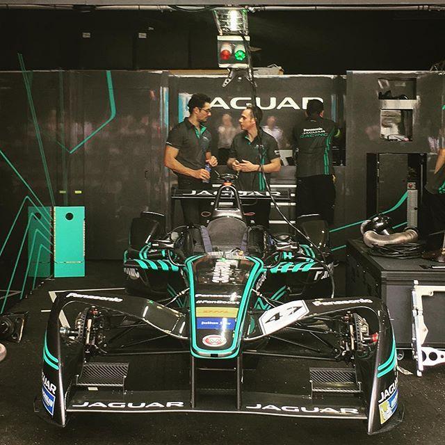 The ever-delightful @davidgandy_official offering his support in the @jaguarracing pit ahead of #FormulaEHK #JaguarElectrifies #FormulaE #SportisGREAT #DavidGandy