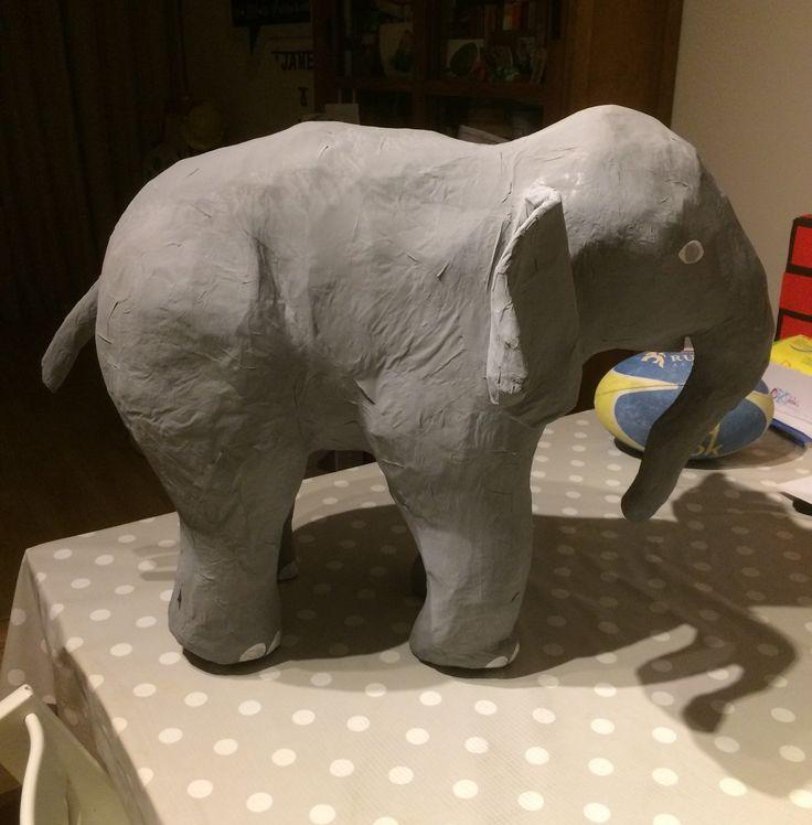 Surprise.......olifant papier maché
