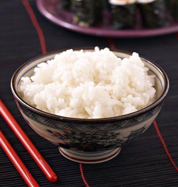 Riz japonais vinaigré pour sushi et maki, la recette d'Ôdélices : retrouvez les ingrédients, la préparation, des recettes similaires et des photos qui donnent envie !