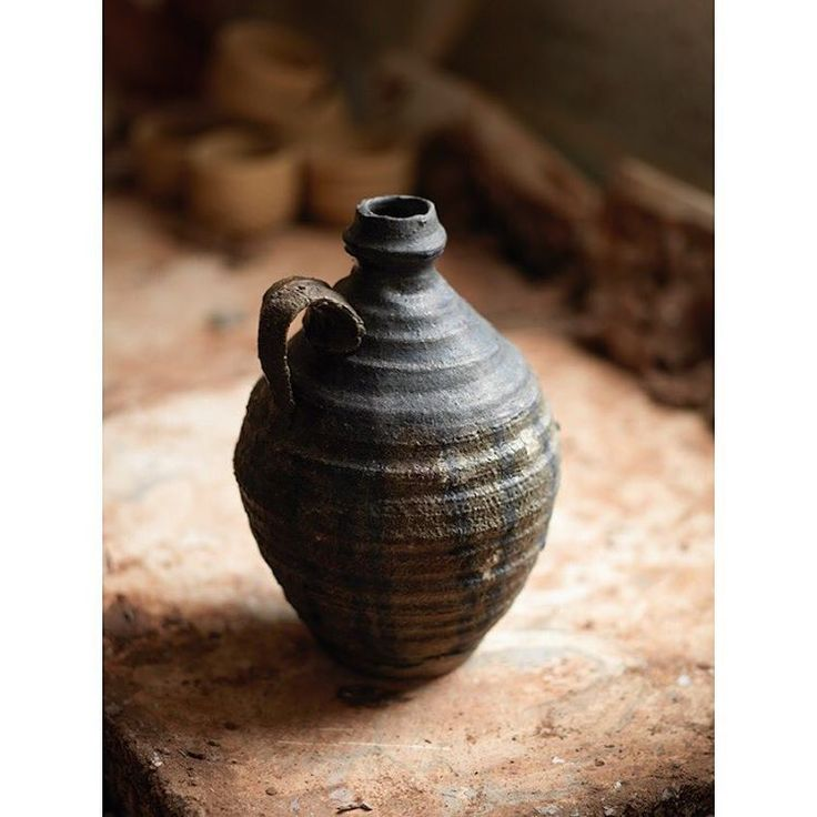 Who made this salt-fired pot? We reveal all inside CR issue 282, out 17 October. Join us as a subscriber at ceramicreview.com . #ceramicreview is the international #magazine for #ceramics, #ceramicart and #pottery. ceramicreview.com | photo @crisbarnett