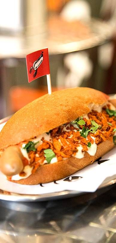 Hot dogs and cool lobsters. Street food. Hodari & Hummeri moves to a new location on August and it will be located in Kamppi Shopping Centre (Urho Kekkosenkatu 1). Photo: Niko Bäckström. #Finland #Helsinki #StreetFood #Hodari&Hummeri #Hotdogs #Lobsters #FoodHelsinkiHELYEAH