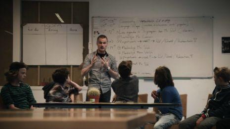 De onderwijzer aan de macht - Tegenlicht