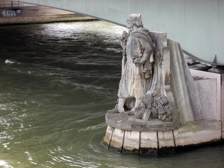 Le zouave du pont de l'Alma à Paris.