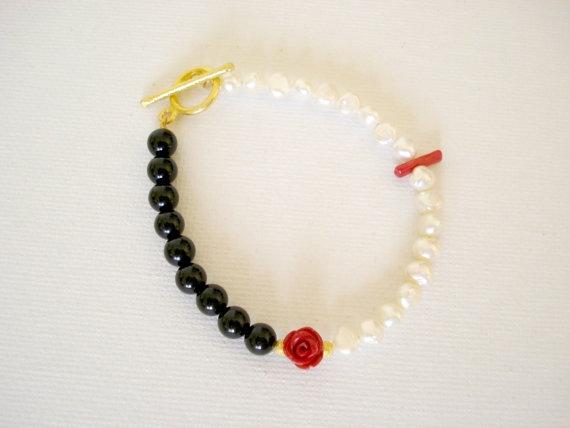 Asymmetrical White Fresh Water Pearl Bracelet by PenelopeStudio, €20.00