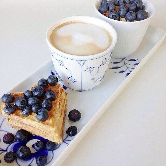 Royal Copenhagen Breakfast with Blue Fluted Plain, Blue Fluted Mega & White Fluted. Picture on Instagram by @alexandrakrogsgaard