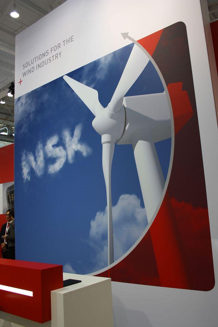 Die Straussbar entwickelt Dekoration für Messestand im Corporate Design, Messestand Windenergy Hamburg