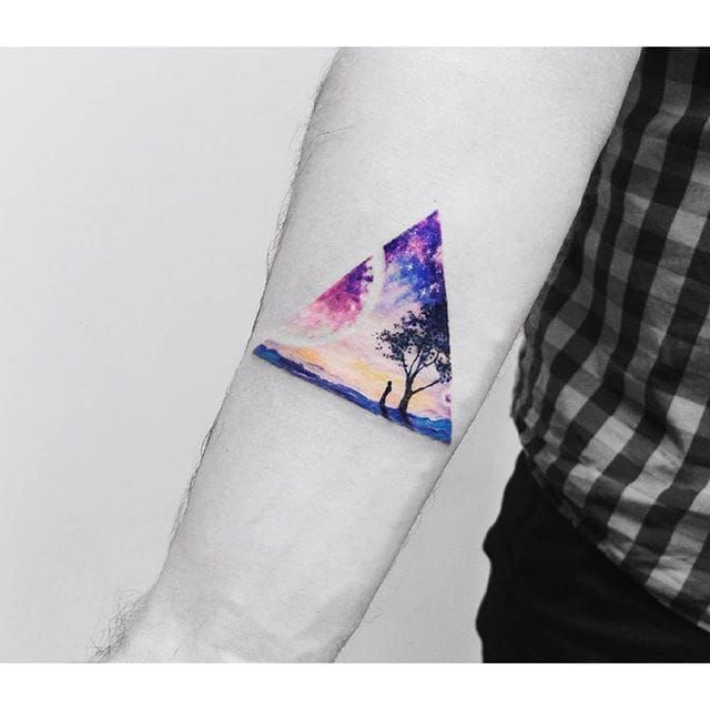 Triangle scenery tattoo by Vitaly Kazantsev. #VitalyKazantsev #fineline #traingle #scenery
