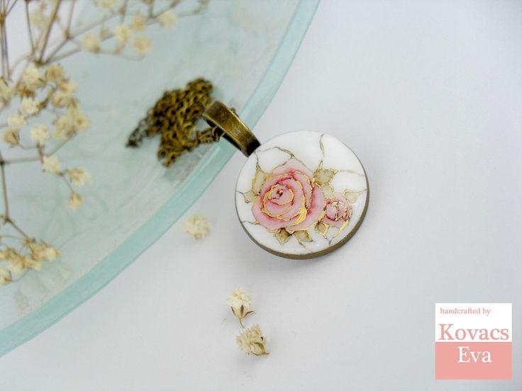 White gold porcelain pendant.Handpainted akvarell rose.Vintage style necklace.Flower pendant.