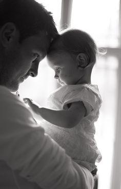 25 Cosas que toda niña pequeña quiere que su papá sepa // http://www.okchicas.com/inspiracion/toda-nina-quiere-su-papa-sepa/