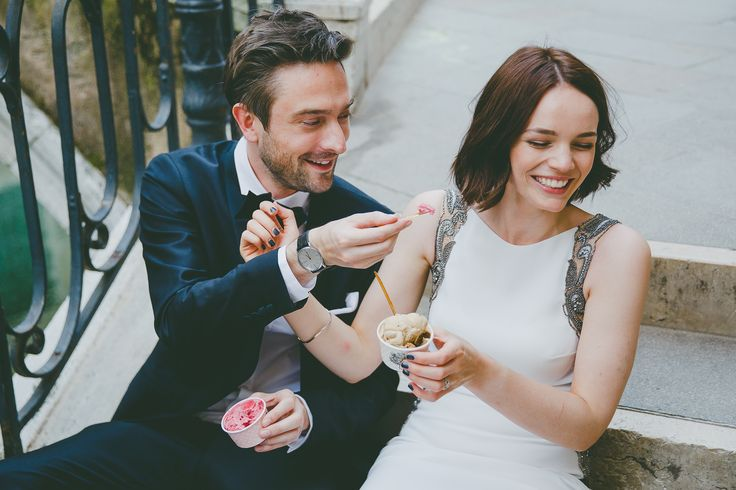 Elopement Venice #elopement #italy #elopetoitaly #gelato #venice #weddingvenice #elopementvenice #weddingphotographer #destinationwedding #maisonpestea