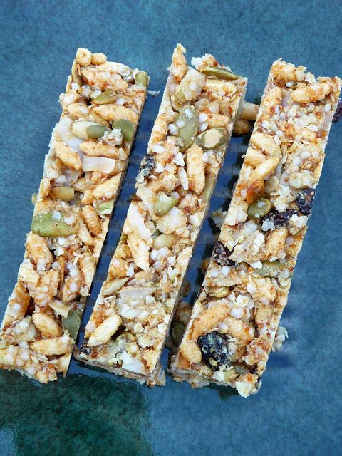 Oat/Gluten Free Quinoa Granola Bars. Only 5 ingredients.