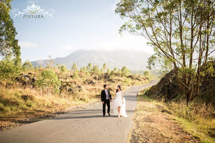 Sunrise at Kintamani Bali Pre-Wedding Shoot by Bali Pixtura on OneThreeOneFour 11