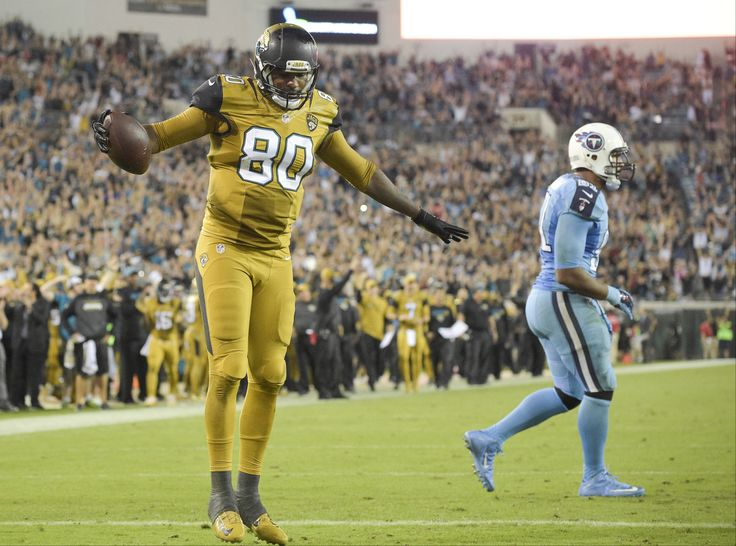 The 10 ugliest NFL uniforms of all time | Sporting News