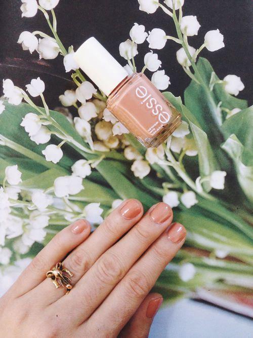 Perfect nail polish: Essie Mamba