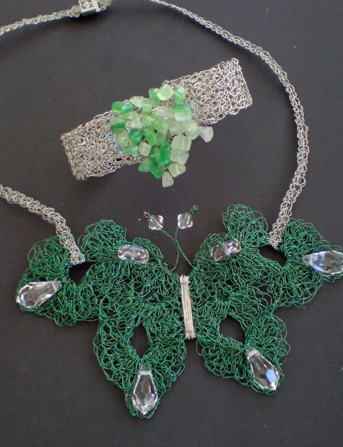 Wire chrochet necklace and bracelet with semiprecious stones