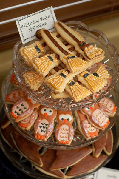 sugar cookies!: Birthday Parties, Potter Party, Harrypotter Broomsticks, Harry Potter Birthday Ideas, Harry Potter Sugar Cookies, Birthday Harry Potter, Kooky Cookies, Harry Potter Cookies Sugar